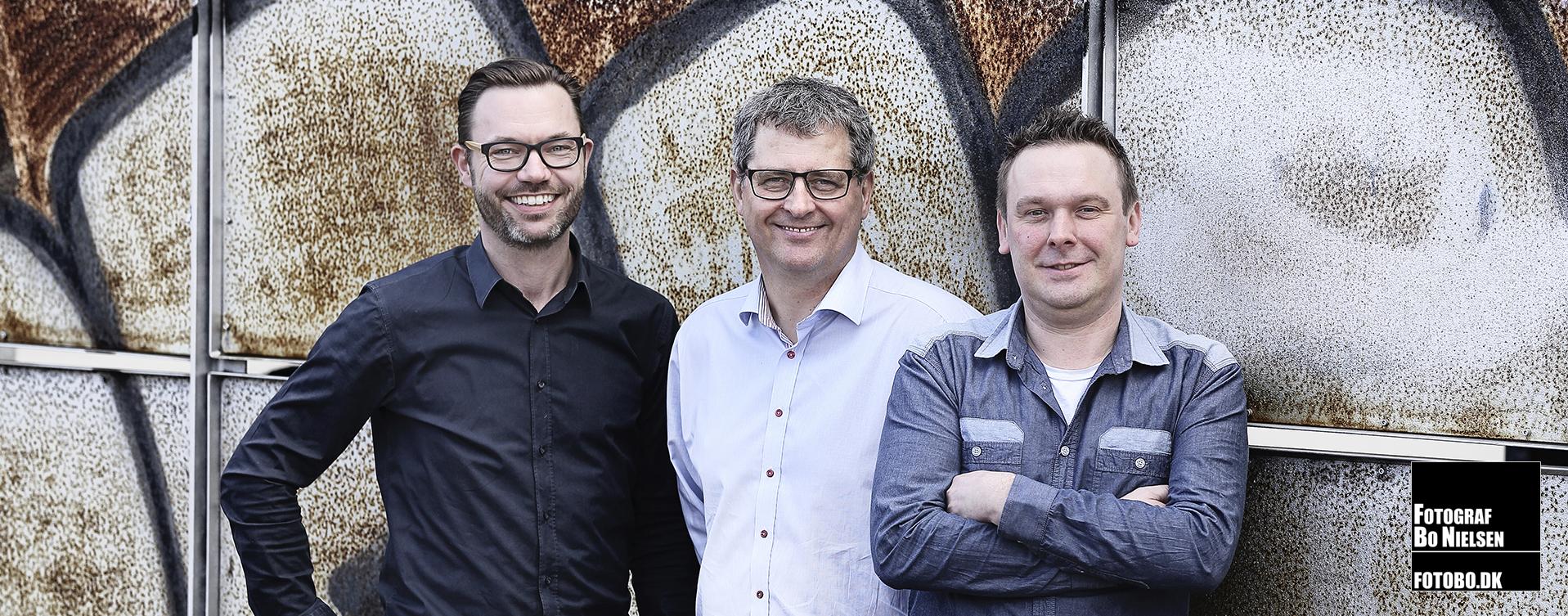 Erhvervs portræt af personale på reklamebureau , af fotograf Kolding, Fotograf Bo Nielsen