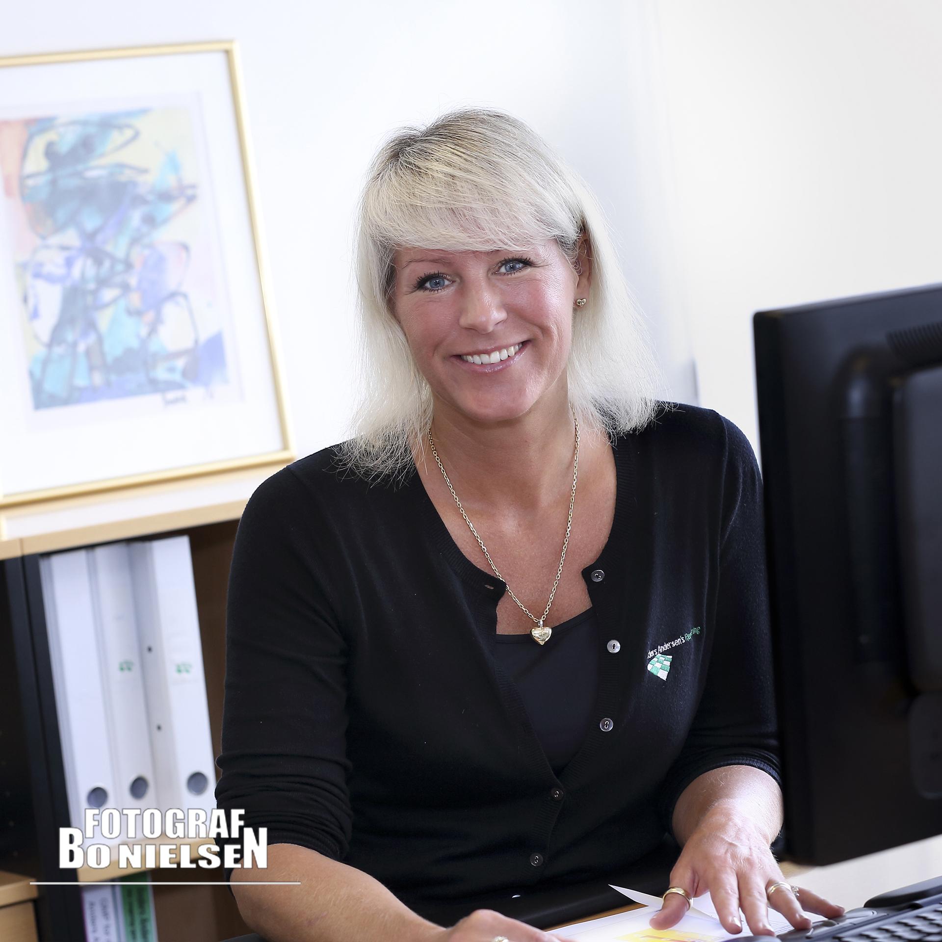 Fotografering til erhvervs portræt, fotograf Kolding, personale billeder fotograferet onlocation af Fotograf Bo Nielsen